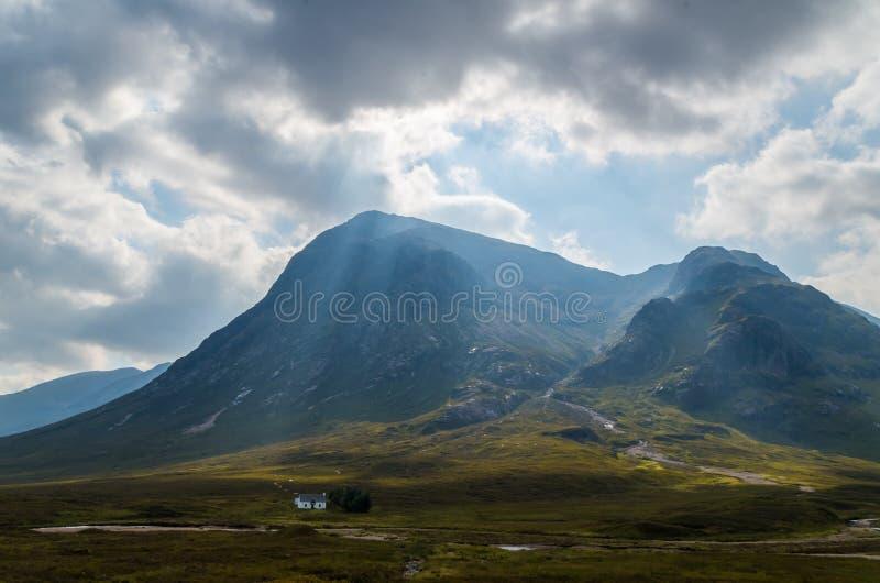 Dearg de Buachaille Etive Mor Stob en el valle de Glen Coe, Escocia fotos de archivo libres de regalías