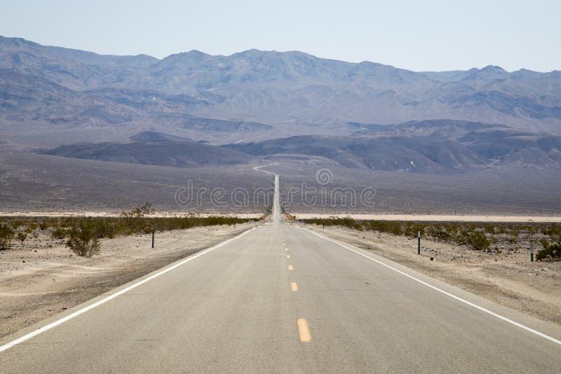 Death Valley väg arkivfoton