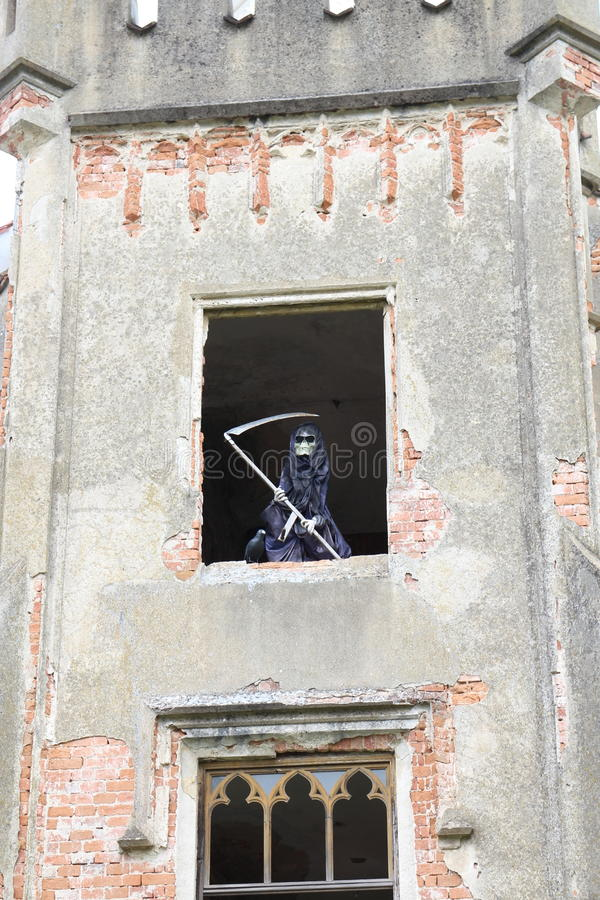 Free Death With Scythe In Window Of Castle Český Rudolec In South Bohemia Royalty Free Stock Images - 94216169