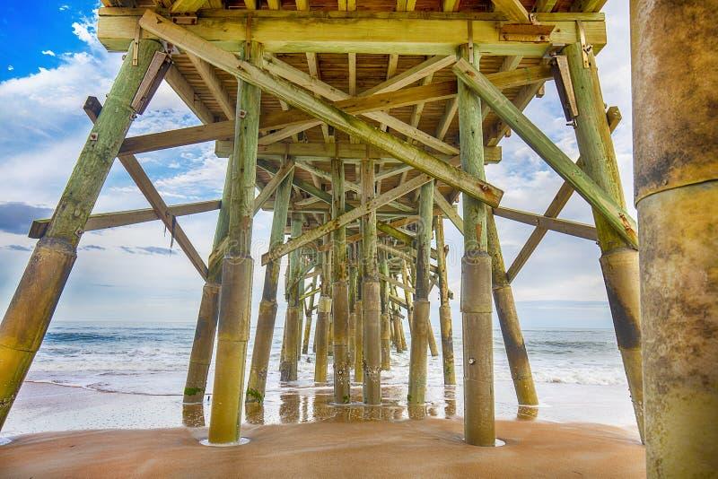Debajo de la playa Pier Structure de Flagler fotos de archivo libres de regalías