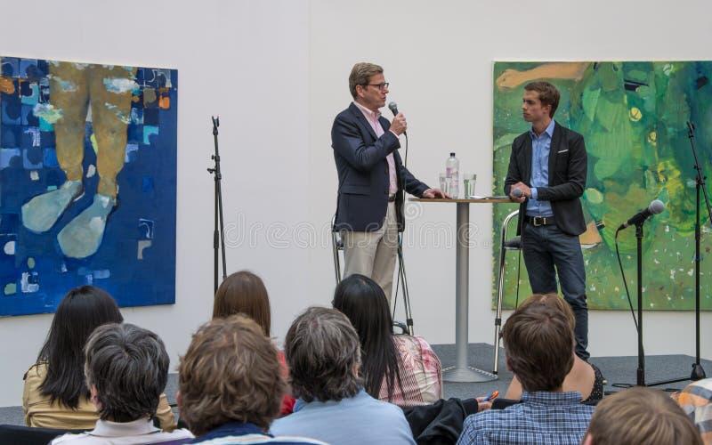 Debate público con el Ministro de Asuntos Exteriores federal Guido Westerwelle imágenes de archivo libres de regalías