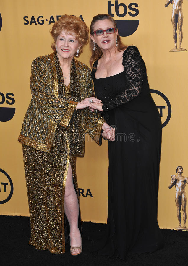 Debbie Reynolds u. Carrie Fisher stockbilder