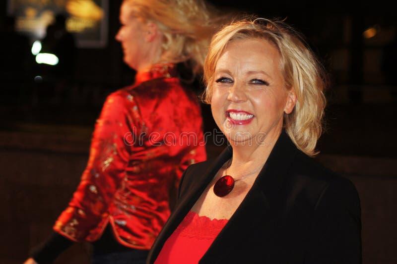 Deborah Meaden En La Premier Roja Foto de archivo editorial