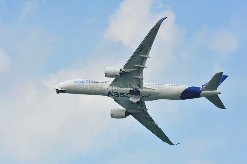 Debut för flygbuss A350-900 på Singapore Airshow arkivbilder