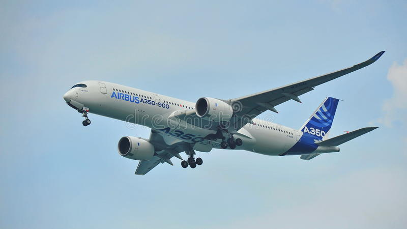 Debut för flygbuss A350-900 på Singapore Airshow royaltyfri foto