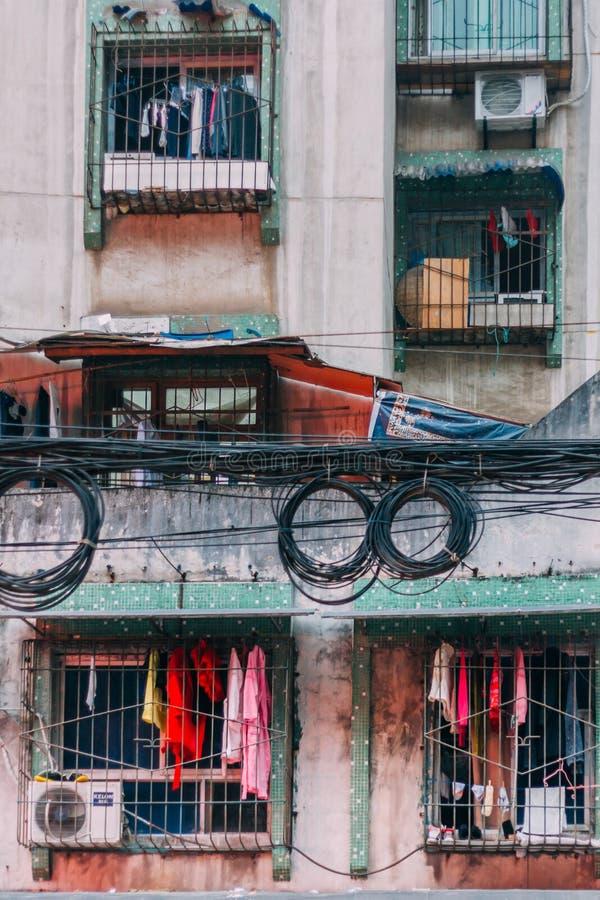 22, Dec, 2015, Chong qing - de mistige overvolle stad, de lokale bouw I stock afbeeldingen