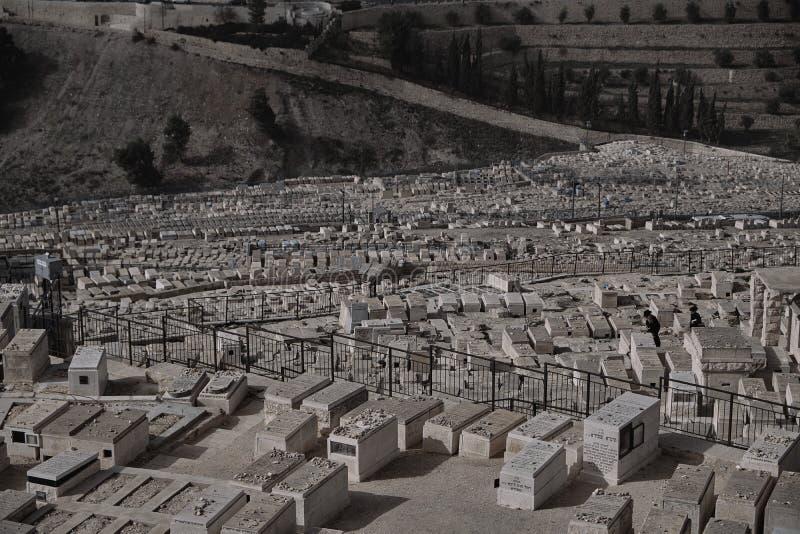 DEC 2019 - Friedhof und Altstadt von Jerusalem, vom Berg der Leben, Israel lizenzfreies stockfoto