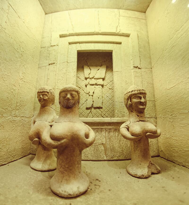 DEC 2019 Reproduction 3,400-year-old naken staty of Old Egyptian fertility in the Old city of Jerusalem , ISRAEL arkivbilder