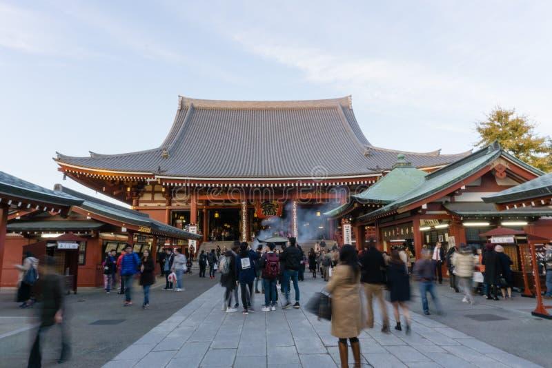 Dec 2, 2016: Tokio Japonia: Sensoji świątynia obrazy royalty free