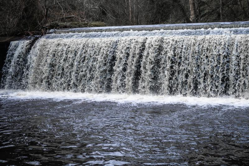 Decano Village Rushing Waterfall fotografia stock