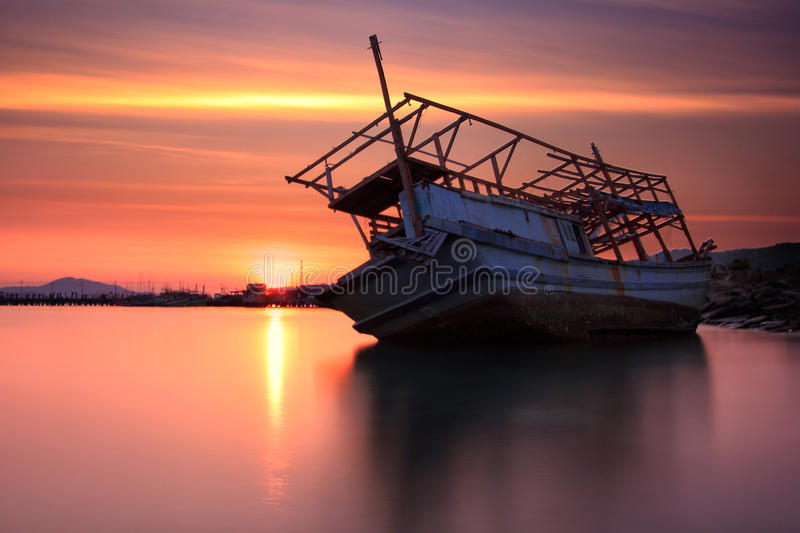 The decaying boat royalty free stock photos