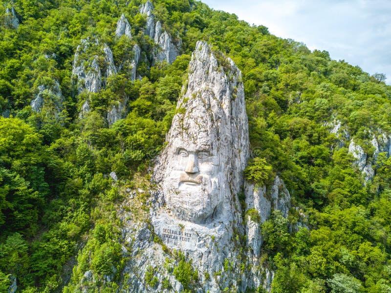 Decebal głowa rzeźbiąca w skale, Danube wąwozy, Żelazne bramy, Romani zdjęcie stock