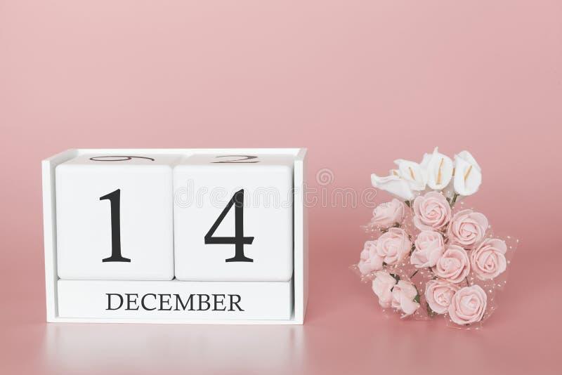 14 december Dag 14 van maand Kalenderkubus op moderne roze achtergrond, concept zaken en een belangrijke gebeurtenis stock fotografie