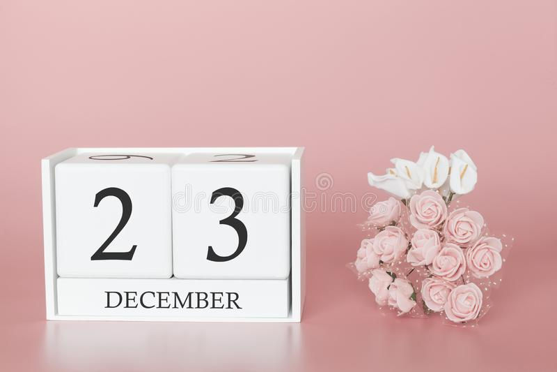 23 december Dag 23 van maand Kalenderkubus op moderne roze achtergrond, concept zaken en een belangrijke gebeurtenis royalty-vrije stock foto's