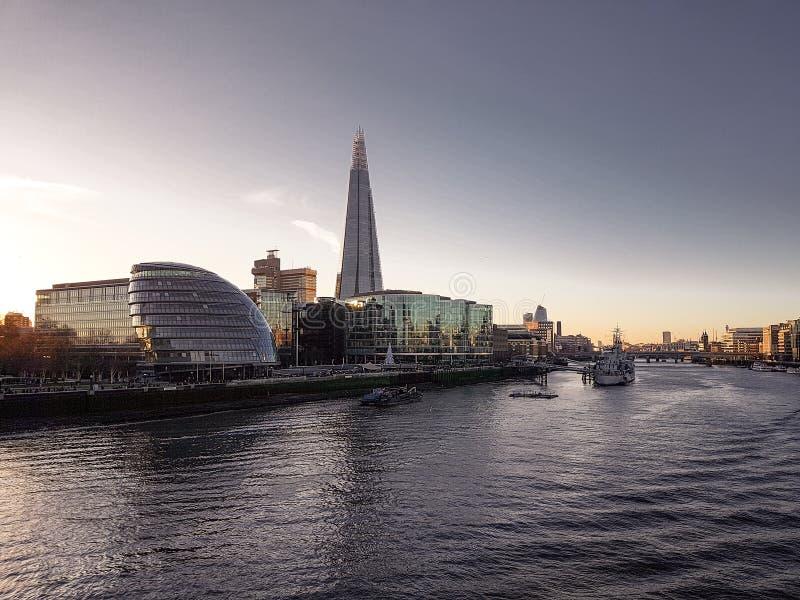 28 december, 2017, Londen, Engeland - de Scherf, ook als Scherf van Glas, de Brug die van Scherflonden wordt bedoeld stock foto