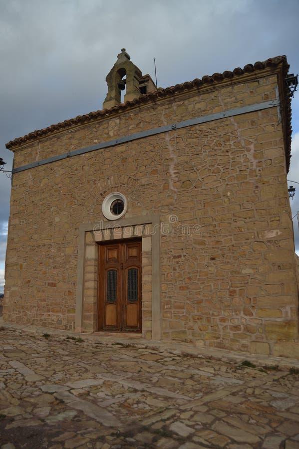 27 december, 2013 Mora de Rubielos Teruel, Aragon, Spanje Hoofdvoorgevel van Emita de la Dolorosa Geschiedenis, Reis, Aard, royalty-vrije stock foto