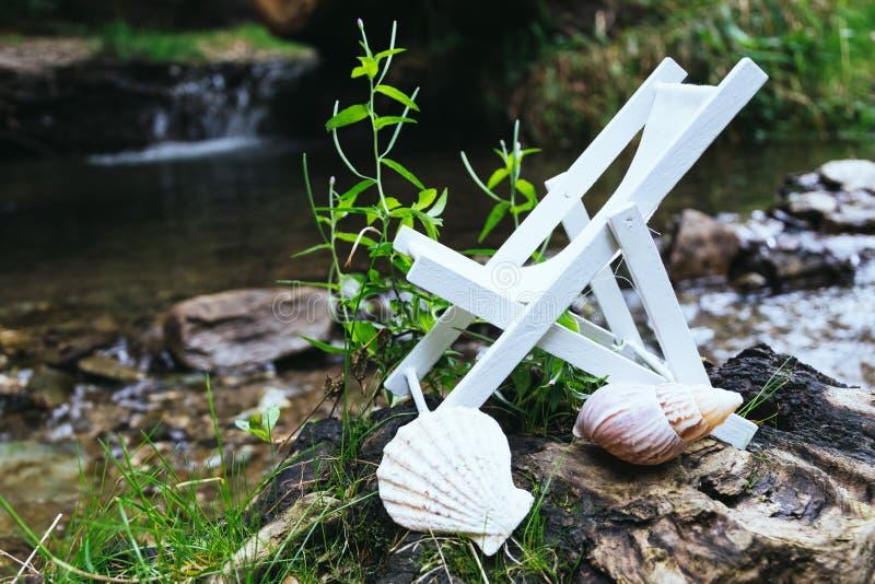 Deckchair в природе стоковое фото rf