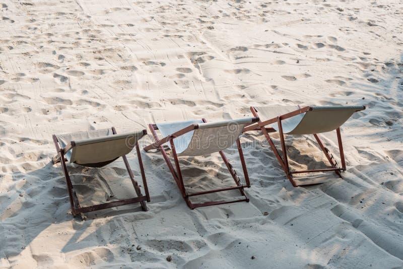 Deckchair на пляже стоковая фотография
