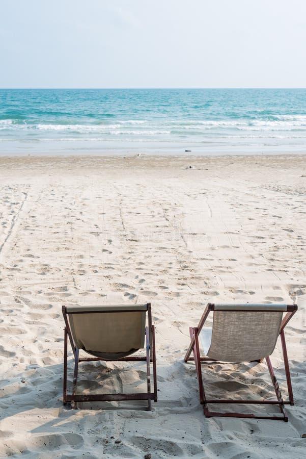 Deckchair на пляже стоковое фото rf