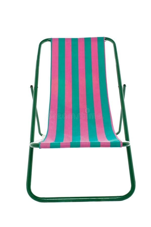 Deckchair auf weißem Hintergrund lizenzfreie stockfotografie