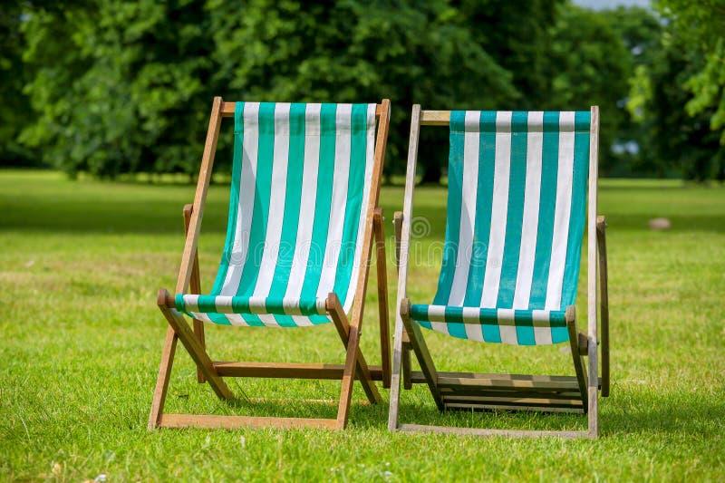 deckchairs Londyn, Anglia zdjęcie royalty free
