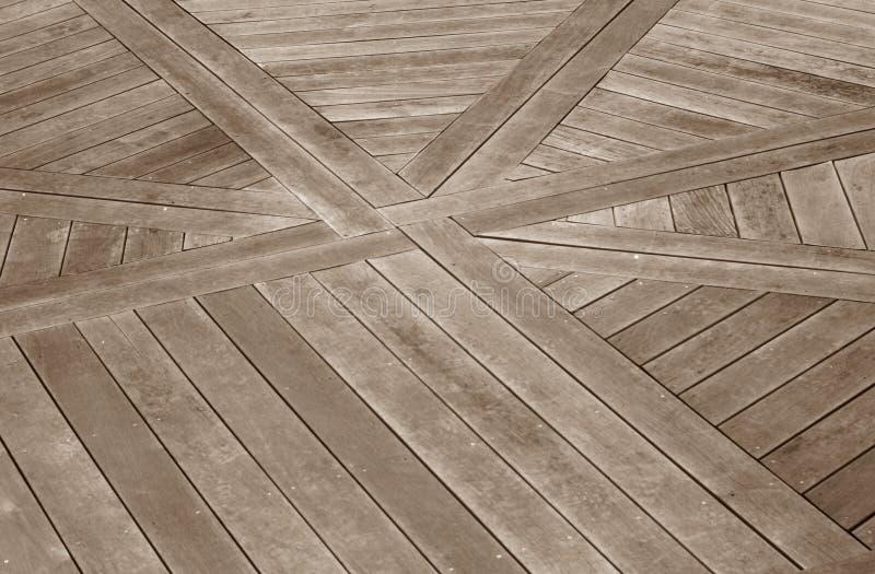 Decking di legno con un disegno fotografia stock libera da diritti