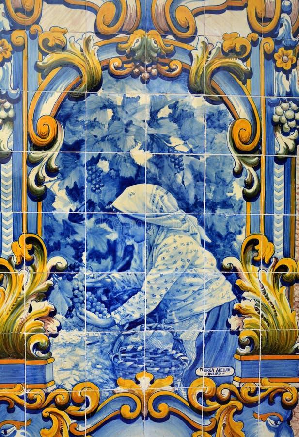 Deckt azulejos am Bahnhof von Pinhao, Duero-Tal mit Ziegeln lizenzfreie stockfotografie