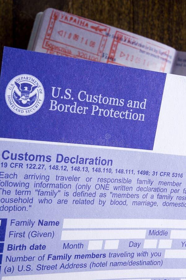 Declaração alfandegária e passaporte foto de stock royalty free