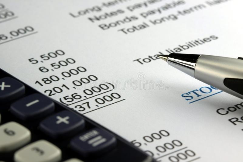 Declaración de renta de la contabilidad empresarial fotos de archivo libres de regalías