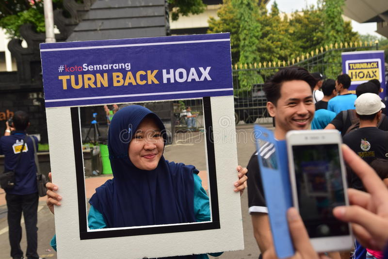 Declaration of Anti-Hoax. A number of citizens and communities signed and making selfies for anti news hoax Area CFD Jalan Pahlawan Semarang Sunday, January 7 royalty free stock images