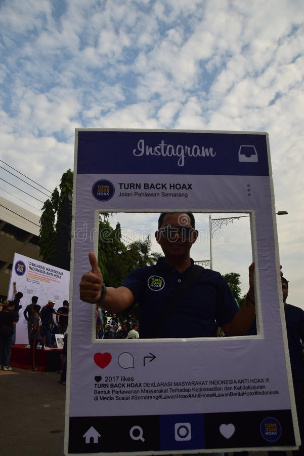 Declaration of Anti-Hoax. A number of citizens and communities signed and making selfies for anti news hoax Area CFD Jalan Pahlawan Semarang Sunday, January 7 stock images