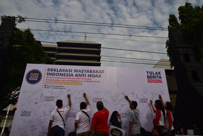 Declaration of Anti-Hoax. A number of citizens and communities signed and making selfies for anti news hoax Area CFD Jalan Pahlawan Semarang Sunday, January 7 royalty free stock photos
