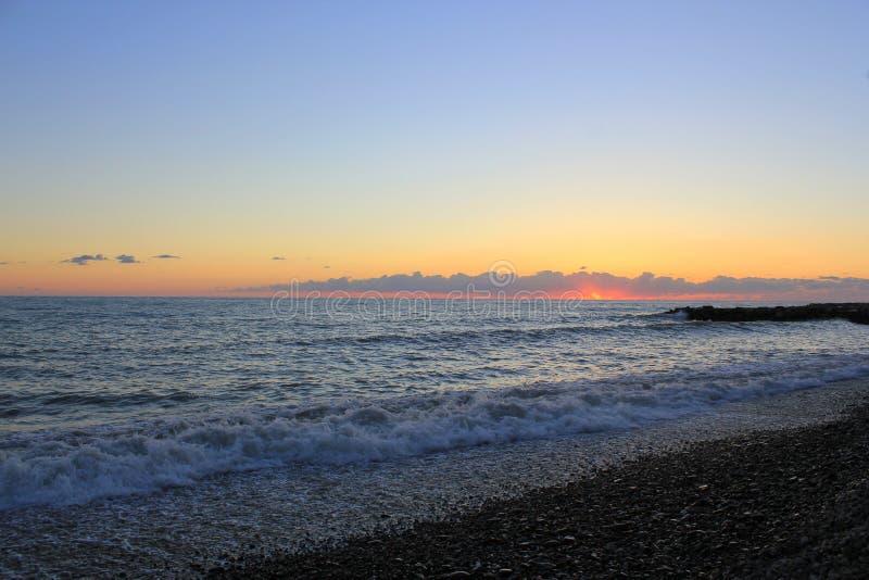 Declino del mare in Soci immagine stock