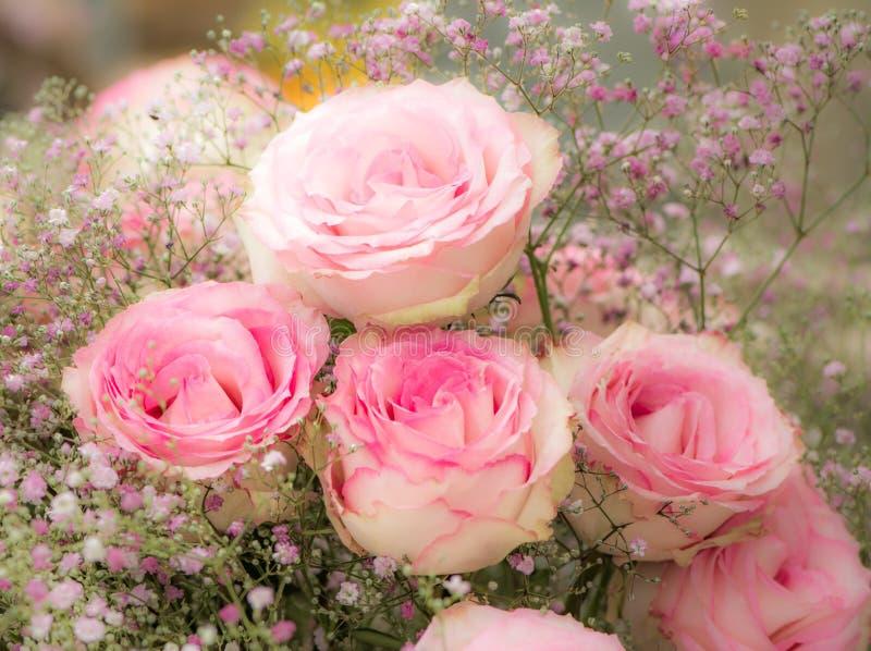 Deco del fiore con le rose rosa fotografia stock