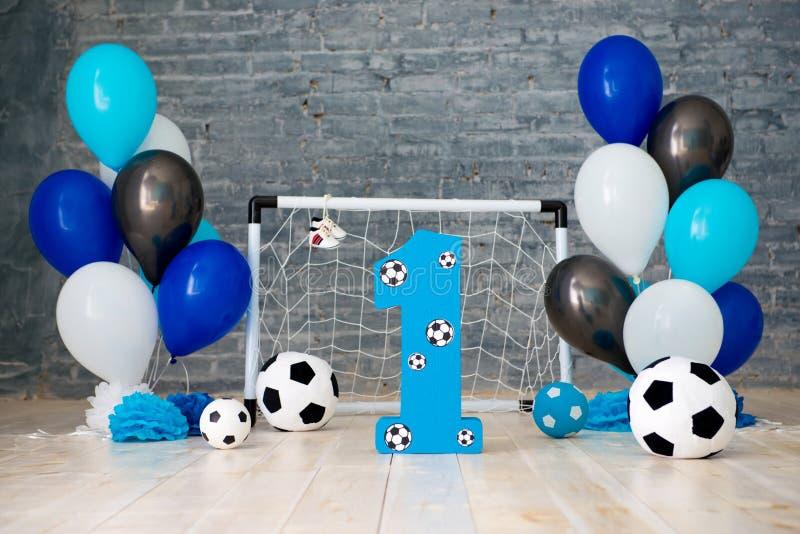 Decor van het eerste jaar voetbal, poorten, ballen en voetbalballen royalty-vrije stock foto
