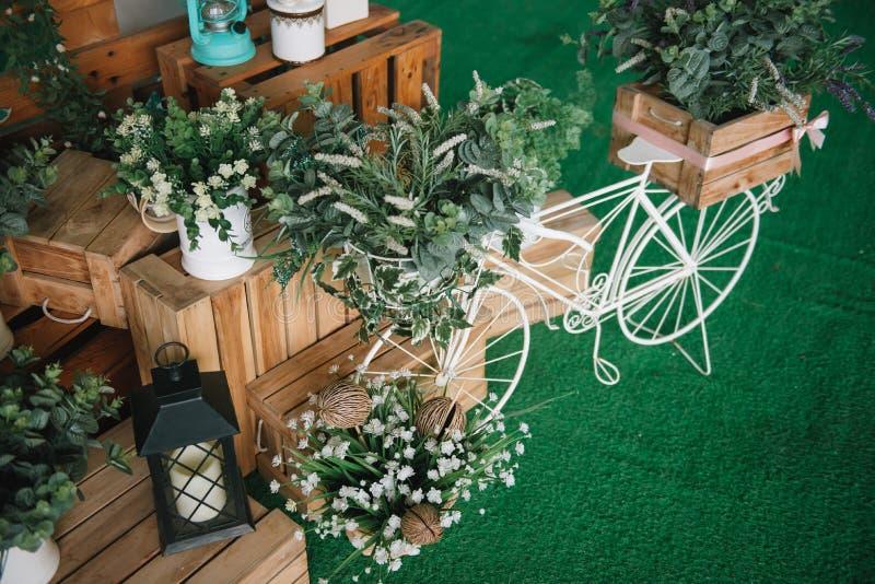 Decoração bem-vinda feito à mão de madeira do casamento foto de stock royalty free