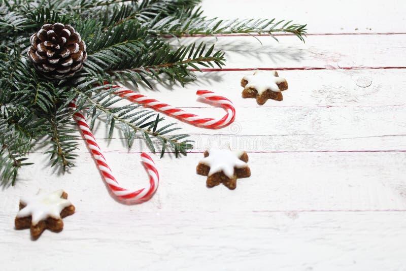 Decoração bonita do Natal com estrelas da canela fotografia de stock royalty free