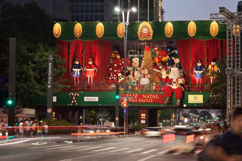 Decoração Brasil do Natal da avenida de Paulista fotografia de stock