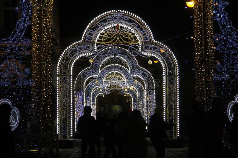 Decoração clara do Natal na rua imagem de stock