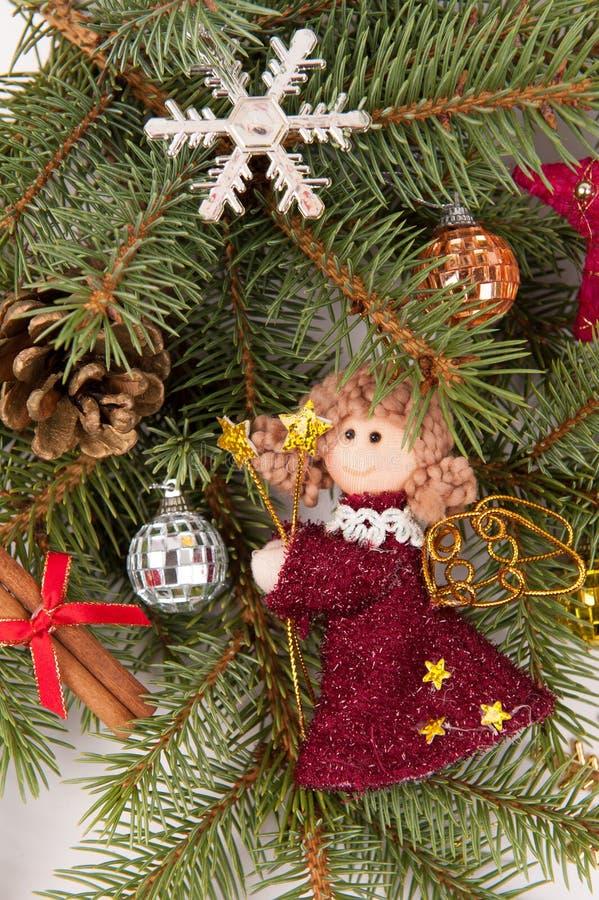 Decoração da árvore de Natal com anjo foto de stock