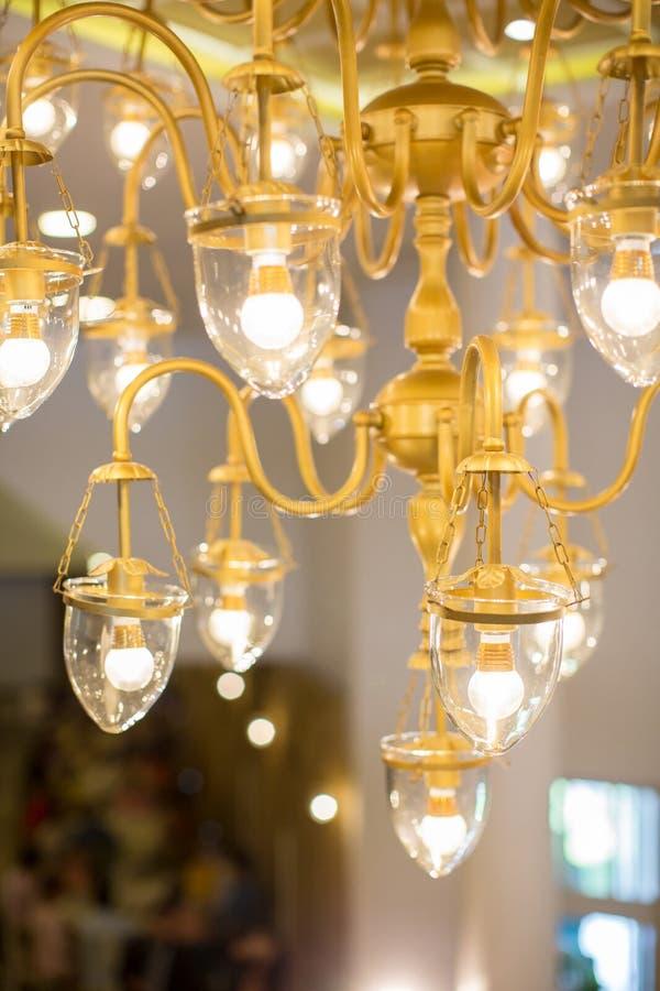 Decoração da iluminação Fim retro do filamento da ampola acima Ampolas retros de Natal imagens de stock