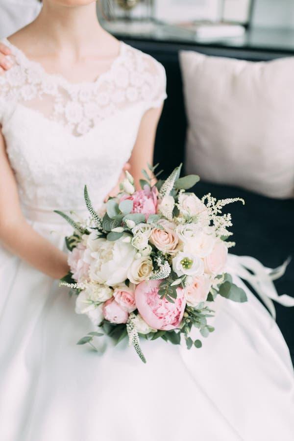 Decoração da tabela na celebração do casamento foto de stock royalty free
