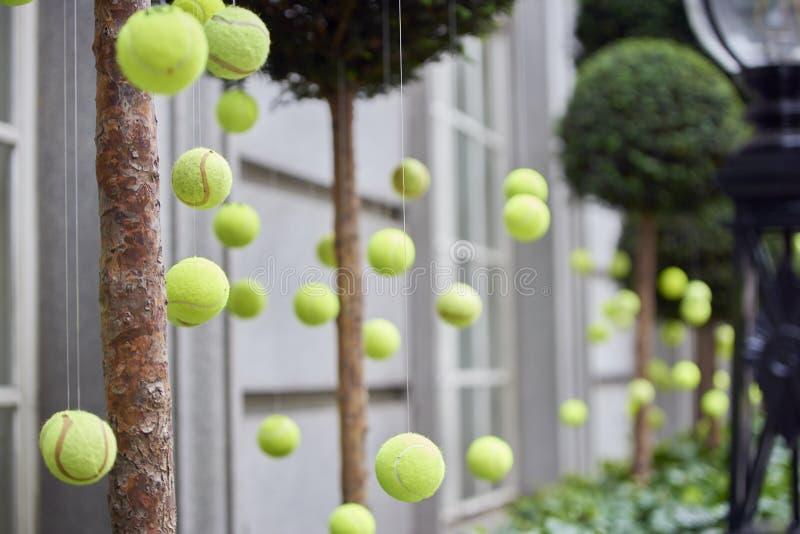 Decoração das bolas de tênis fotos de stock royalty free