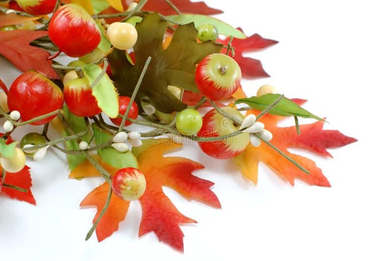 Decoração das folhas e das maçãs da queda - acção de graças imagens de stock