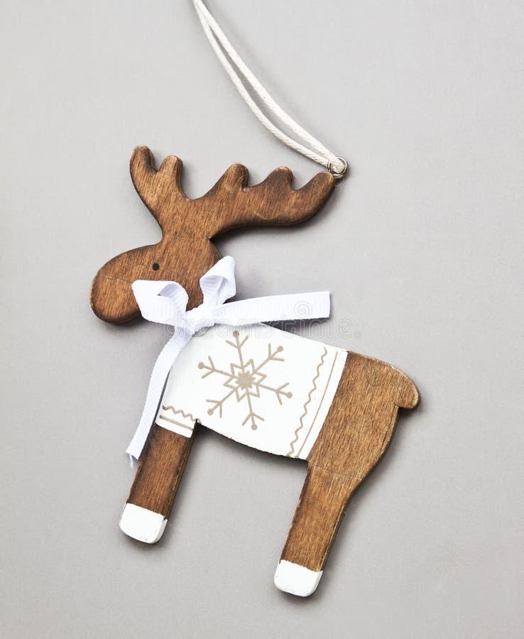 Decoração de madeira do Natal da rena do vintage imagem de stock