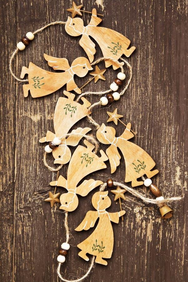 Decoração de madeira do Natal do vintage dos anjos fotos de stock