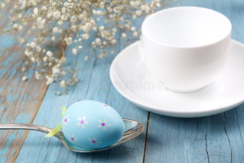 Decoração do café da manhã da Páscoa imagens de stock