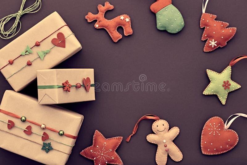 Decoração do fundo do Natal Caixas de presente do projeto imagem de stock royalty free