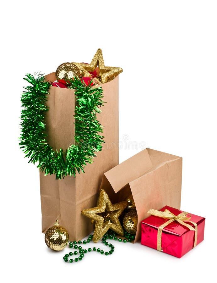 Decoração do Natal com esferas e presente fotos de stock royalty free
