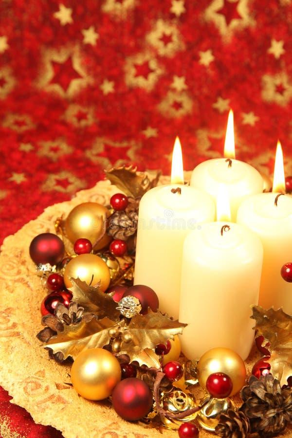 Decoração do Natal com velas imagens de stock